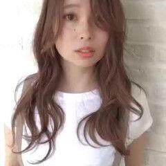 フェミニン ゆる巻き 大人かわいい 愛され ヘアスタイルや髪型の写真・画像