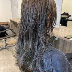 艶髪 アッシュグレージュ ロング 艶カラー ヘアスタイルや髪型の写真・画像