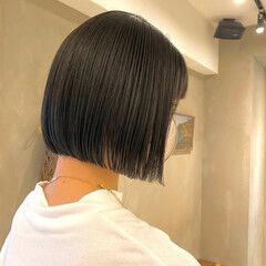ショートヘア ミディアム 切りっぱなしボブ ショートボブ ヘアスタイルや髪型の写真・画像