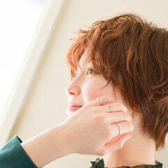ショート 耳かけ ナチュラル ショートマッシュ ヘアスタイルや髪型の写真・画像