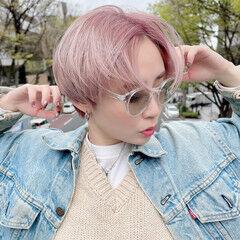 可愛い プラチナブロンド ピンクカラー デザインカラー ヘアスタイルや髪型の写真・画像