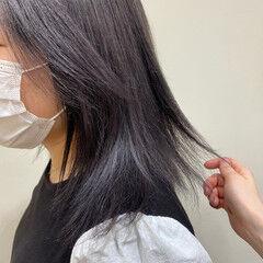 透明感カラー モード 艶髪 シルバーグレージュ ヘアスタイルや髪型の写真・画像