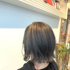 グレージュ ナチュラル ショートボブ 外ハネ ヘアスタイルや髪型の写真・画像