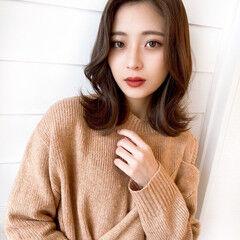 韓国ヘア 韓国風ヘアー フェミニン センター分け ヘアスタイルや髪型の写真・画像