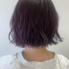 ラベンダーアッシュ ラベンダーグレージュ ラベンダーカラー 切りっぱなしボブ ヘアスタイルや髪型の写真・画像