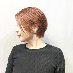 コーラル ストリート ショートボブ チェリーレッド ヘアスタイルや髪型の写真・画像