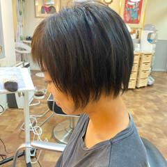 ブリーチオンカラー モード ブルーアッシュ ショート ヘアスタイルや髪型の写真・画像