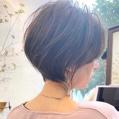 ショートボブ フェミニン ショートヘア ハンサムショート ヘアスタイルや髪型の写真・画像