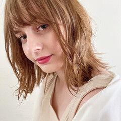 フェミニン ミディアム 夏 ゆる巻き ヘアスタイルや髪型の写真・画像