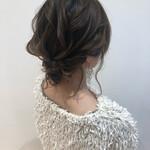 まとめ髪 シニヨン 結婚式 お呼ばれ