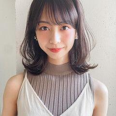 ミディアムレイヤー ナチュラル 韓国 レイヤーカット ヘアスタイルや髪型の写真・画像