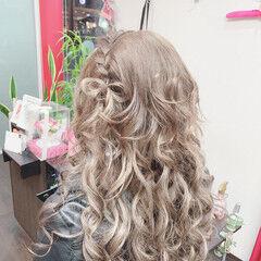 編み込み ロング 編み込みヘア ナチュラル ヘアスタイルや髪型の写真・画像