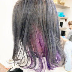 インナーカラーパープル インナーピンク ミディアム 派手髪 ヘアスタイルや髪型の写真・画像