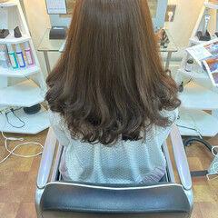 大人ハイライト ラベージュ ベージュ ロング ヘアスタイルや髪型の写真・画像