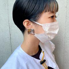 地毛風カラー ショートカット ネイビーブルー モード ヘアスタイルや髪型の写真・画像