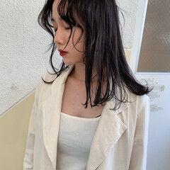 レイヤーカット 地毛風カラー ミディアム 黒髪 ヘアスタイルや髪型の写真・画像