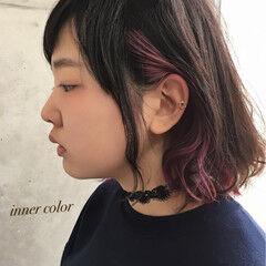 ストリート インナーカラー フェミニン レッド ヘアスタイルや髪型の写真・画像