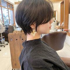 ショート ジェンダーレス ショートヘア ナチュラル ヘアスタイルや髪型の写真・画像