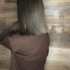 ナチュラル ハイライト ミディアム バレイヤージュ ヘアスタイルや髪型の写真・画像