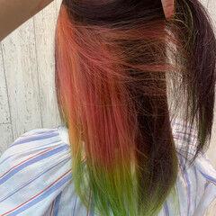 インナーカラー ピンク ガーリー ロング ヘアスタイルや髪型の写真・画像