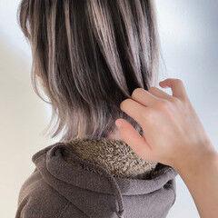 切りっぱなしボブ ボブ ウルフカット グレーアッシュ ヘアスタイルや髪型の写真・画像