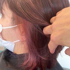 ピンクアッシュ インナーピンク ナチュラル ミディアム ヘアスタイルや髪型の写真・画像