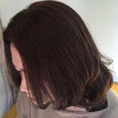 涼しげ コンサバ ミディアム アッシュ ヘアスタイルや髪型の写真・画像