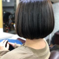 ナチュラル 流し前髪 大人かわいい ミニボブ ヘアスタイルや髪型の写真・画像