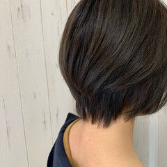 ショート エアリー エレガント ジェンダーレス ヘアスタイルや髪型の写真・画像