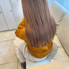 ロング 髪質改善トリートメント ミルクティーベージュ ナチュラル ヘアスタイルや髪型の写真・画像