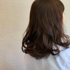 ショコラブラウン 秋ブラウン セミロング ナチュラルブラウンカラー ヘアスタイルや髪型の写真・画像