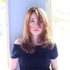 セミロング ナチュラル チークライン 大人女子 ヘアスタイルや髪型の写真・画像