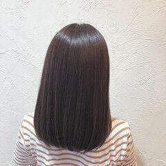 セミロング スモーキーカラー ナチュラル スモーキーアッシュ ヘアスタイルや髪型の写真・画像