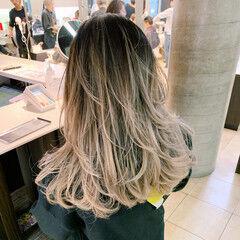 ダブルカラー セミロング ブリーチ インナーカラー ヘアスタイルや髪型の写真・画像