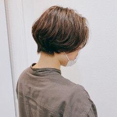 ショートパーマ ショートボブ ナチュラル ハンサムショート ヘアスタイルや髪型の写真・画像