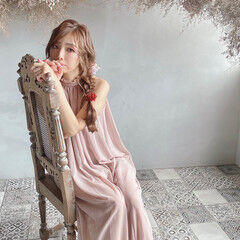 フェミニン ロング ドライフラワー 編みおろし ヘアスタイルや髪型の写真・画像