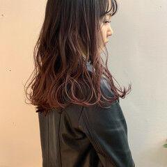 セミロング ナチュラル ナチュラルグラデーション バレイヤージュ ヘアスタイルや髪型の写真・画像