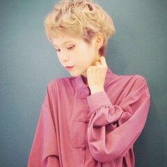 ハイトーンカラー ショートヘア フェミニン ベリーショート ヘアスタイルや髪型の写真・画像