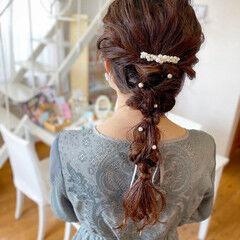ナチュラル 結婚式ヘアアレンジ 編みおろしヘア ヘアアレンジ ヘアスタイルや髪型の写真・画像