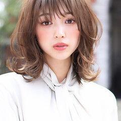 エレガント ミディアム 前髪あり レイヤー ヘアスタイルや髪型の写真・画像