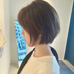 ショート 耳かけ ショートヘア ナチュラル ヘアスタイルや髪型の写真・画像