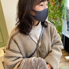 ナチュラル 毛先パーマ セミロング コテ巻き風パーマ ヘアスタイルや髪型の写真・画像