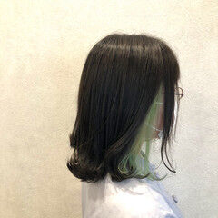 フェミニン ボブ インナーカラー 外ハネ ヘアスタイルや髪型の写真・画像