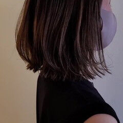 ヘアカット 外はね ミディアム 切りっぱなしボブ ヘアスタイルや髪型の写真・画像