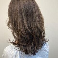 透明感カラー フェミニン アンニュイほつれヘア イヤリングカラー ヘアスタイルや髪型の写真・画像