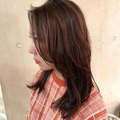 かきあげバング レイヤーカット ミディアム オルチャン ヘアスタイルや髪型の写真・画像