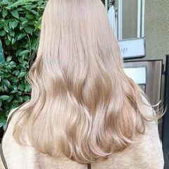 ブロンド ミルクティーベージュ ロング ブロンドカラー ヘアスタイルや髪型の写真・画像