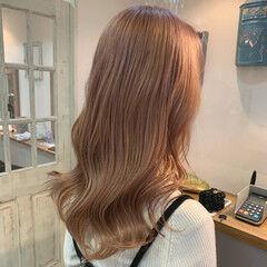 フェミニン ピンクベージュ シアーベージュ ダブルブリーチ ヘアスタイルや髪型の写真・画像
