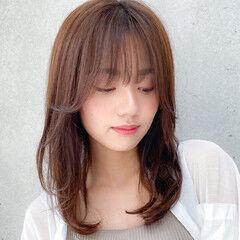 小顔 ミディアムレイヤー コンサバ デジタルパーマ ヘアスタイルや髪型の写真・画像