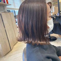 外ハネ ミルクティーブラウン ナチュラル ミディ ヘアスタイルや髪型の写真・画像